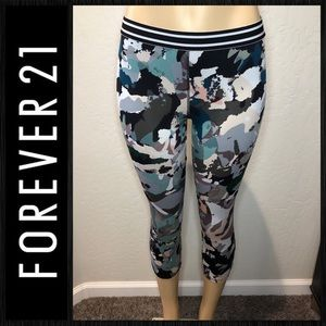 Forever 21 active crops sz M